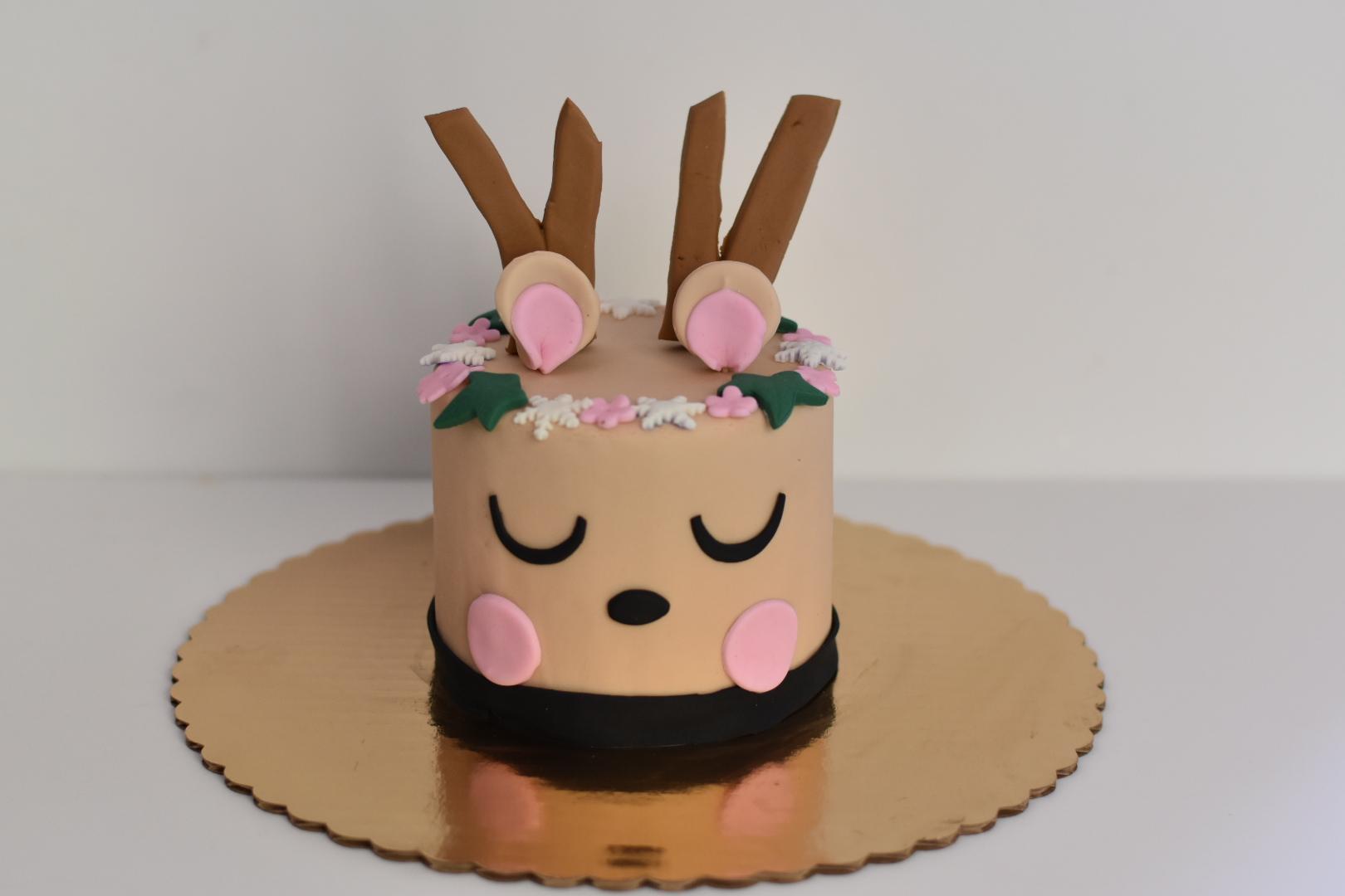 Reindeer Fondant Cake Decorating - ACE